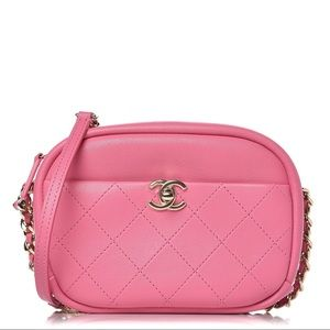 CHANEL Lambskin Stitched Small Camera Case Pink